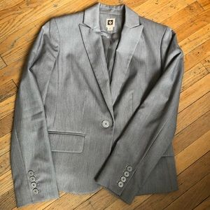 Anne Klein blazer/suit jacket. Gray. Size 4.
